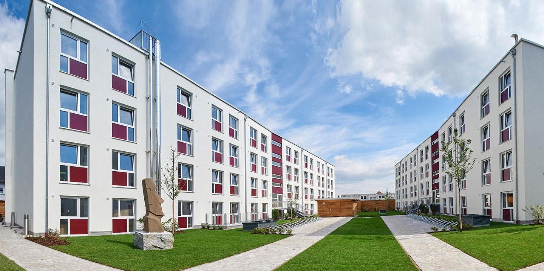 Großes Studentenwohnheim mit viel Wohnraum und großem Innenhof